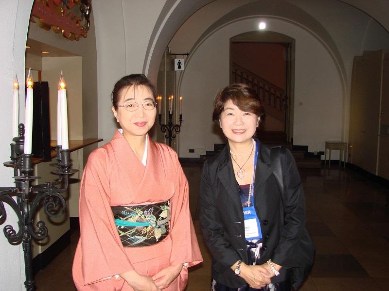恒松由記子先生(右)と工藤先生(左)